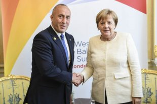 Kryeministri Haradinaj po qëndron në Berlin në vizitë njëditore ku do të takohet me kancelaren gjermane, Angela Merkel