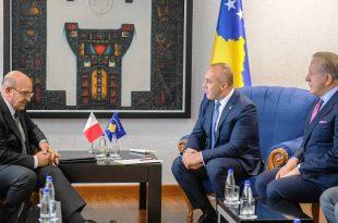 Kryeministri Haradinaj ka pritur në një takim ambasadorin jorezident të Maltës në Kosovë, Godwin Pulis