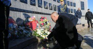 Haradinaj: Dy dekada më parë një akt çnjerëzor tronditi ndjenjat e botës demokratike dhe mobilizoi Perëndimin