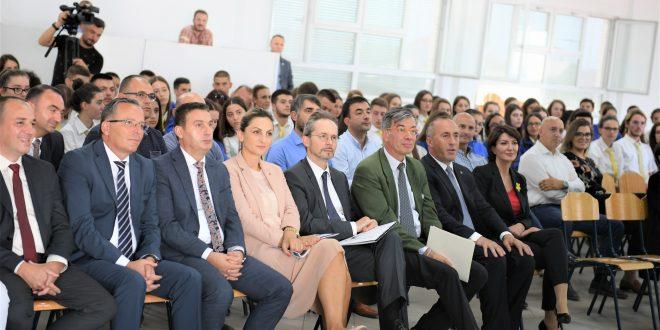 Haradinaj: Shkollimi i duhur dhe cilësorë i fëmijëve tanë dhe ky është edhe orientimi ynë si Qeveri