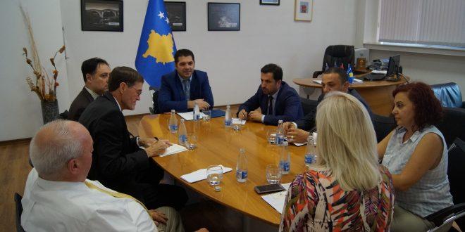 Ministri, Hasani bisedoi për rritjen e sigurisë së kontrollit të tregut me mallra strategjike