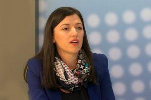 Albulena Haxhiu e ripërserit qëndrimin e Lëvizjes Vetëvendosje se nuk do të heq dorë nga pozita kryetarit të Kuvendit
