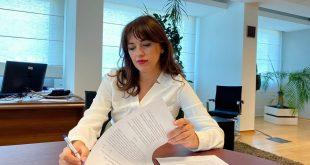 Albulena Haxhiu: Një delegacion i Ministrisë së Drejtësisë do t'i vizitojë ish-krerët e UÇK-së në Hagë në fund të shtatorit
