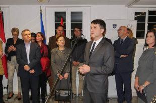 Mërgimtarët në Zvicër, organizuan homazh me portretet e 64 dëshmorëve që dhanë jetën për lirinë e Kosovës