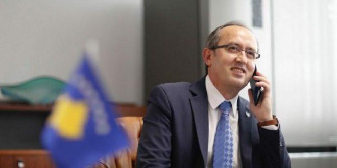 Kryeministri i vendit, Avdullah Hoti bisedoi me drejtuesit e TRUST-it dhe të Fondit Kosovar për Garanci Kreditore
