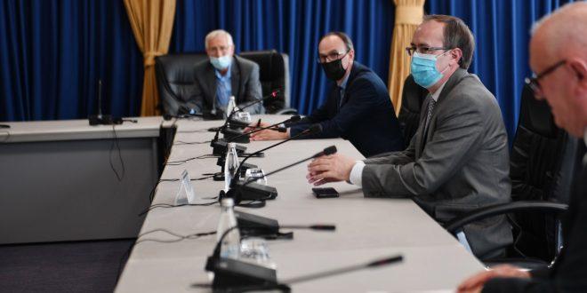 Para nisjes në Bruksel kryeministri Hoti takon përfaqësuesit e institucioneve për çështjen e të zhdukurve