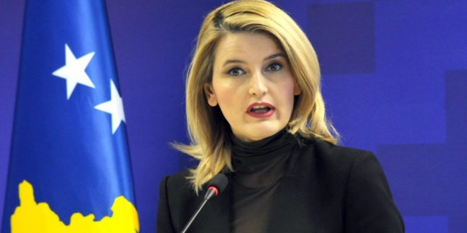 Hoxha: Heqja e vizave për Kosovën nuk është prioritet për BE-në pa përfunduar zgjedhjet për Parlamentin Evropian