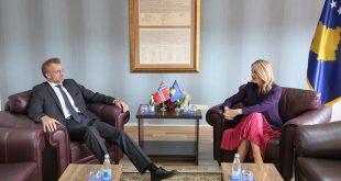 Ministrja Hoxha, ka pritur sot në një takim lamtumirës ambasadorin e Norvegjisë në Kosovë, Per Strand Sjaastad