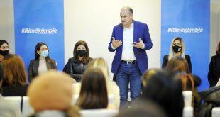 Enver Hoxhaj ka premtuar rritje të pensioneve të veteranëve për 30 për qind gjatë takimit që ka zhvilluar sot në Mitrovicë