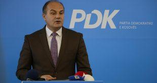 Enver Hoxhaj: Zgjedhja e kryetarit të ri nuk është përpjekje për ta zëvendësuar liderin e kësaj partie që është në Hagë