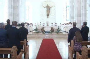 """Në dy-vjetorin e shenjtërimit të Katedrales """"Nënë Tereza"""" u mbajt mesha solemne e festës për Shën Nënë Terezën"""