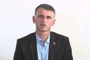 Drejtori i Infrastrukturës në Komunën e Prishtinës, Hysen Durmishi, përmes një postimi të tij iu ka drejtuar medieve të pushtetit duke i akuzuar për paraqitjet