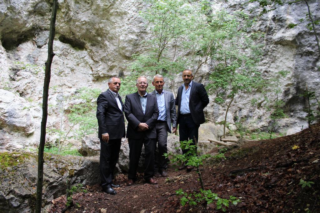 Në Ditën e Çlirimit të Pejës-në maje të Pepajve të Rugovës në Qafë Hajlën legjendare. Një rrugëtim ditor nëpër shtigjet e lirisë