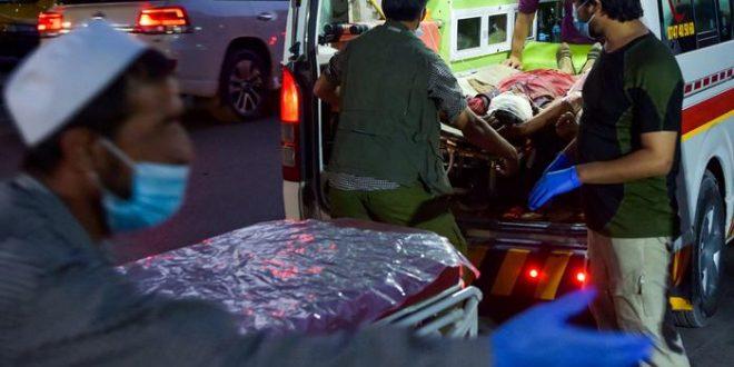 Të paktën 60 persona në mesin e tyre edhe ushtarë amerikanë mbeten të vrarë nga një sulm në aeroportin e Kabulit