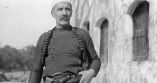"""RKL: Isa Boletini ra duke luftuar me armë në dorë dhe nuk """"u vra"""" duarlidhur"""