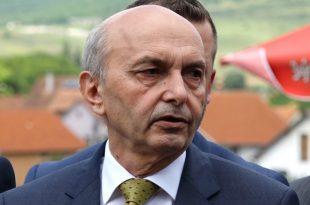 Isa Mustafa: Vetëm një opozitë e vendosur e ndal brutalitetin politik të Albin Kurtit