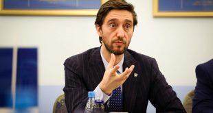 Uran Ismaili beson që Partia Demokratike të Kosovës do të del nga zgjedhjet 5 për qind më shumë se pozicioni i dytë