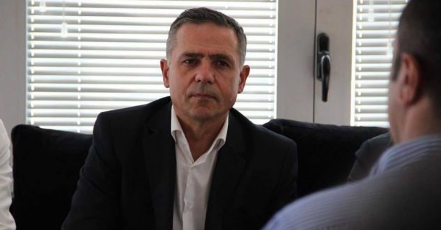 Ahmet Isufi thotë se taksa ndaj Serbisë nuk do të suspendohet pavarësisht kërkesave të ndërkombëtarëve