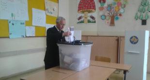 Jakup Krasniqi ftoi të gjithë qytetarët e Kosovës të votojnë sipas bindjes dhe vullnetit të tyre