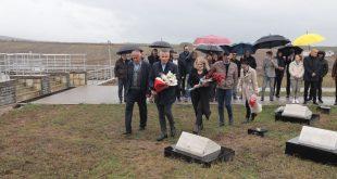Kryetari i Skenderajt, Bekim Jashari e nderon dëshmorin Abedin Rexha në 23 vjetorin e rënies së tij