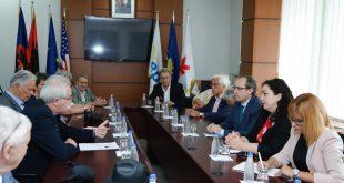 Zëvendës-presidenti i BE-së Rainer Wieland, depuetetët e LDK-së, Avdullah Hoti dhe Vjosa Osmani