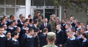 """Kadri Veseli ka vizituar sot kadetët e FSK-së në Kazermën """"Adem Jashari"""" në Prishtinë"""
