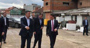 Veseli viziton lokacionin të ish-Tjegullorja në Prishtinë, vendi ku ai propozoni që të ndërtohet Muzeu i Gjenocidit në Kosovë