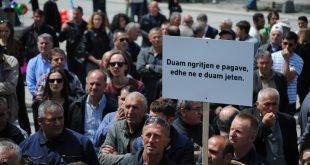 Sindikata e Re Korporata Energjetike e Kosovës proteston sot kundër diskriminimit në koeficientin për paga