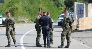 Forcat e KFOR-it nga sot marrin nën kontroll pikat kufitare të Kosovës me Serbinë në Jarinjë dhe në Bërnjakë