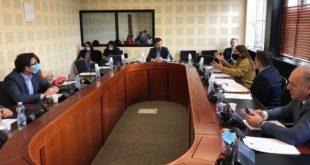 Vetëvendosje dhe LDK akuzojnë njëra tjetren për bllokimin e punës së Komisionit hetimor parlamentar për privatizim