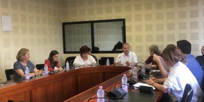 Komisionionet për Arsim dhe Administratë Publike shqyrtuan kërkesat e Këshillit Kombëtar Shqiptar në Kosovën Lindore