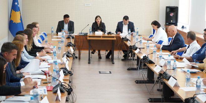 Haxhiu:Ministria e Infrastrukturës dhe Ministria e Punëve të Jashtme nuk janë përgjigjur për zbatimin e ligjit