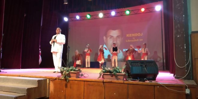 Albert Z. Zholi: Flet këngëtari popullor Hysni Hoxha