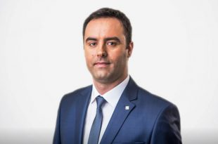 Glauk Konjufca thotë se Lëvizja Vetëvendosje nuk do të pranojë kushte nga Lista Serbe për formulën qeverisëse