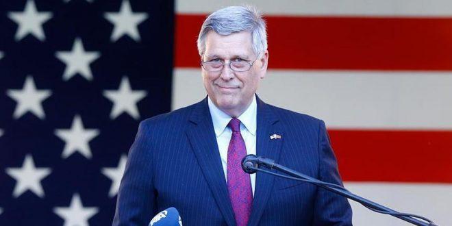 Philip Kosnett: Amerika nuk përpiqet që ta detyrojnë Kosovën të pranojnë një marrëveshje që nuk është e gatshme