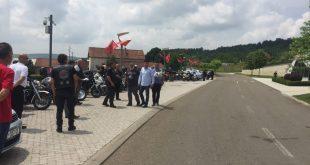 Motoristët nga Kroacia vizituan Kompleksin Memorial në Prekaz