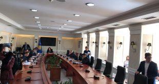 Kryesia e Kuvendit mblidhet sot për të shqyrtuar kërkesën e deputetëve të opozitës për seancë të jashtëzakonshme