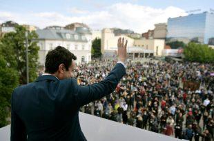 """Lëvizja Vetëvendosje në 15-vjetorin e themelimit të saj organizon sot një tubim në sheshin """"Skënderbeu"""""""