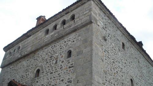 """Sot në Sallën e Asamblesë Komunale në Deçan shfaqet dokumentari """"Kullat e Deçanit"""""""