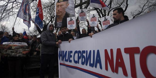 B92: 71.6 për qind të serbëve mendojnë se anëtarësimi i Serbisë në BE dhe NATO është opsion i gabuar
