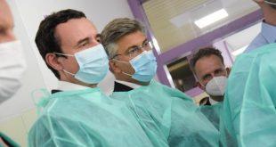 Kryeministri i Kosovës, Albin Kurti i ka vizituar të lënduarit gjatë aksidentit me autobus në spitalin e Slavonski Brodit