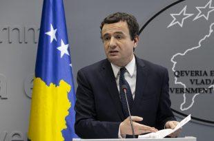 Albin Kurti ka zënë të dridhet nga Kushtetuesja, fyen, përçmon dhe ironizon kryetarin e Kosovës, Hashim Thaçi