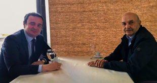Kurti takon Mustafën, bisedojnë për situatën politike dhe iniciativën për mocionin e mosbesimit ndaj qeverisë