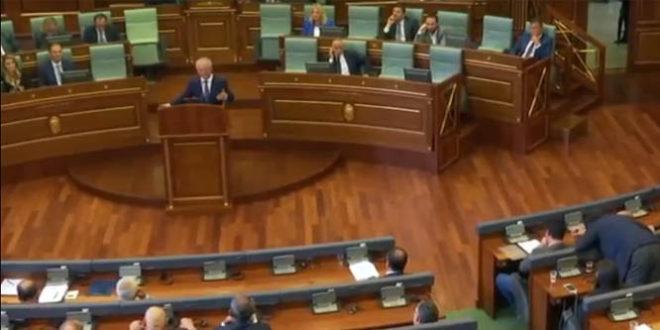 Debat i ashpër në mes të ministrit dhe deputetes së LDK-së dhe deputetëve të Vetëvendosjes