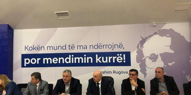 """Isa Mustafa thotë se LDK po punon çdo ditë për t'i bërë votat për rrëzimin e qeverisë """"Haradinaj"""""""