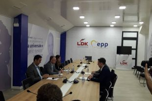 Grupet punuese të LDK-së e të Vetëvendosjes u pajtuan me parimet e marrëveshjes për bashkëqeverisje