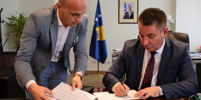 """Reagim publik i zyrës së Ministrit të Infrastrukturës, Pal Lekaj, kundër shkrimit të publikuar në, """"magazina.al"""""""