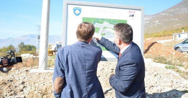 Ministri i Infrastrukturës, Pal Lekaj, inspektoi dy projekte rrugore në Burim