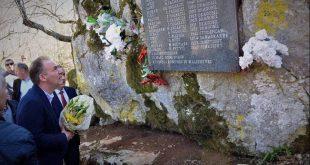 Limaj: Sot kujtojmë me dhimbje dhjetëra martirë të cilët u vranë mizorisht 21 vite me parë në fshatin Burim të Malishevës