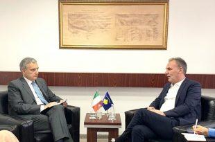 Zëvendëskryeministri në detyrë, Fatmir Limaj, takon ambasadorin e Italisë në Kosovë, Piero Cristoforo Sardi